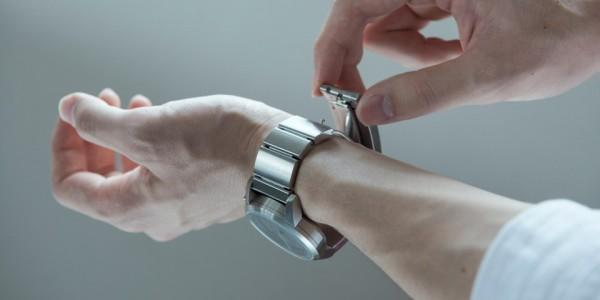 The-Wena-Wrist-smartwatch (1)