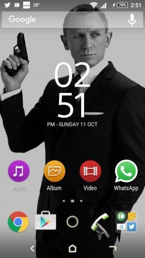 James Bond Xperia Theme
