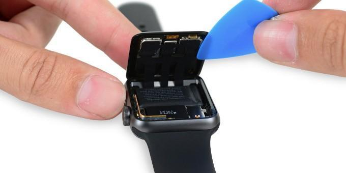 Apple Watch Series 2 teardown