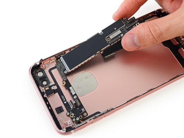 iPhone 7 Plus teardown (1)